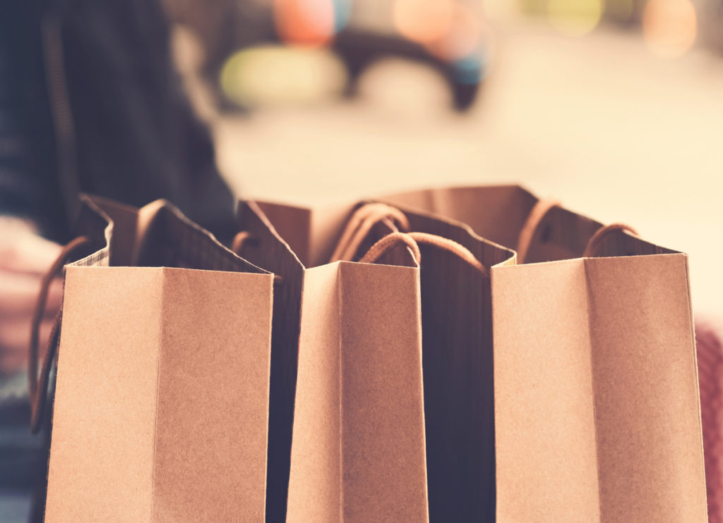 social selling - shopping bags